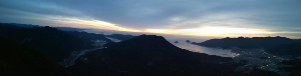 日の出のパノラマ